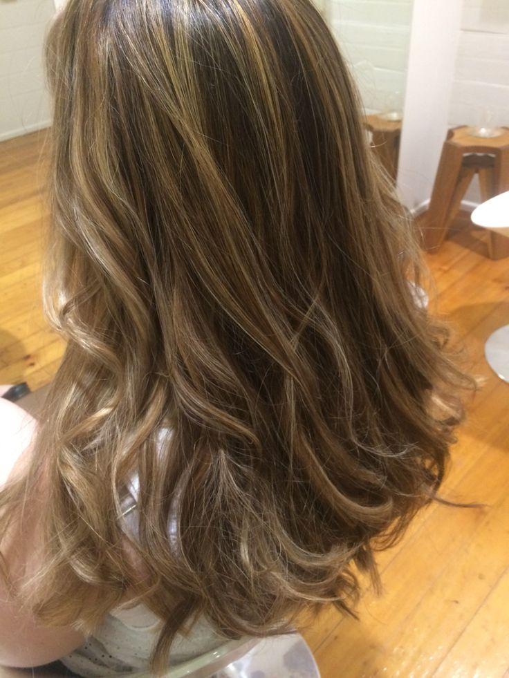 Love this summer look, beautiful transitional shades #amandatheartofhair#paddingtonhairdress#brisbanehairdresser#longhair#blonde