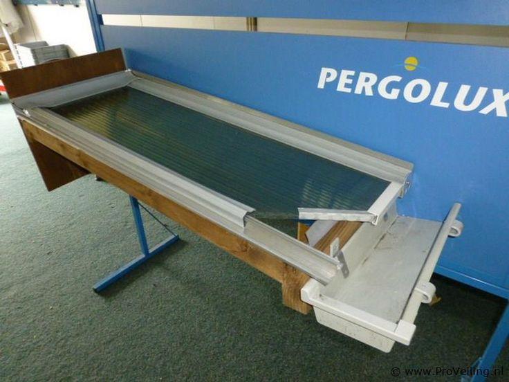 Geïmpregneerde houten onderbouw voor veranda en veranda dak met Pergolux polycarbonaat Helder