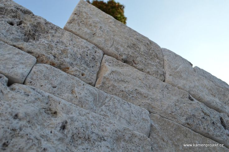 Kamenná zeď Pearl Grey Massive