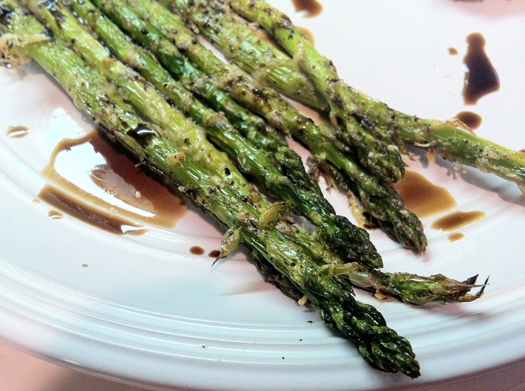 Low Carb Layla: Roasted Parmesan Crusted Asparagus with Balsamic #lowcarb