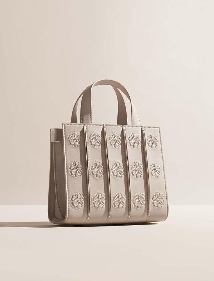 Amy Adams models at Max Mara handbag at Whitney Bay event | Daily Mail Online