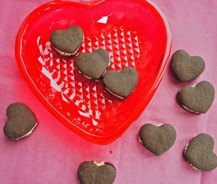Chocolate heart-shaped sandwich cookies | Cookie Recipes | Pinterest