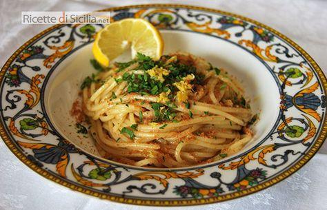 Nella cucina siciliana, la bottarga di tonno è considerata il caviale di poveri. Nella pasta con bottarga di tonno, il suo particolare gusto viene esaltato dal succo di limone