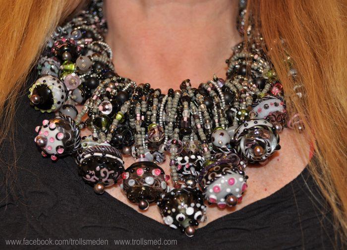 Lampwork beads, handmade silver, ornela glass and seedbeads by Trollsmed http://www.facebook.com/trollsmeden