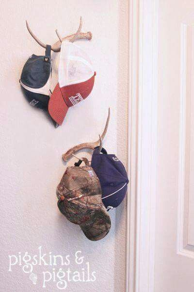 Deer antler hat rack