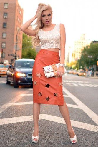 スターの型抜きで周囲に差のつくおしゃれさん!人気・おすすめ・トレンドのレザースカートのモテコーデ一覧♪