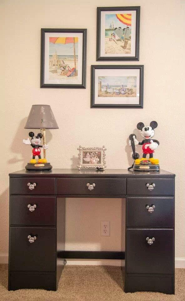 30 best images about disney office on pinterest disney for Disney office decor