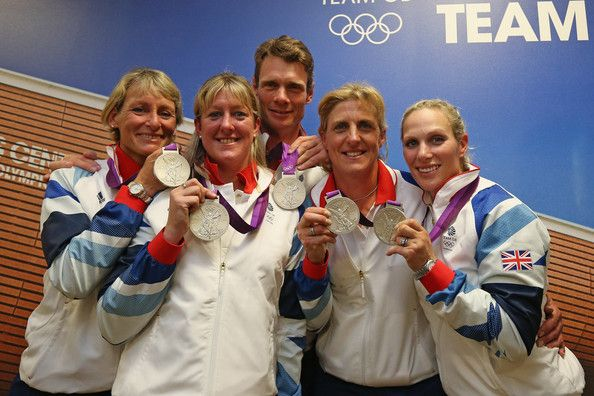 Zara Phillips, Mary King, William Fox Pitt, Kristina Cook, Nicola Wilson show off their silver medals