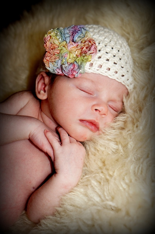 Baby Beanie - Premature - Cream & Sweet Dreams £10.00