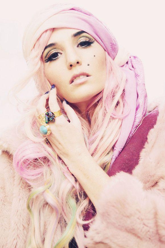 Audrey Kitching, fashion Icon, icon, idol, fashion