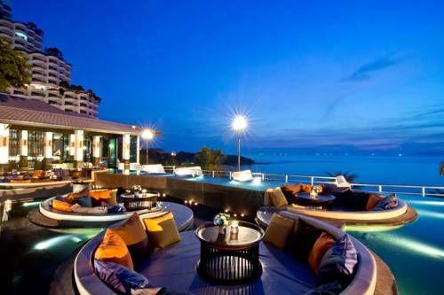 Royal Cliff Beach Terrace Hotel by Royal Cliff Hotels Group - Situé au sud de Pattaya, à seulement 800 mètres de la jetée deBali Haiet à 1,5 km de la rue piétonne de Pattaya, le Royal Cliff Beach Terrace dispose d'une piscineà débordement extérieure avec vue sur la mer et d'une plage privée. Adresse Royal Cliff Beach Terrace Hotel by Royal Cliff Hotels Group: 353 Phra Tamnuk Road, Pattaya, Chonburi 20150 Pattaya South