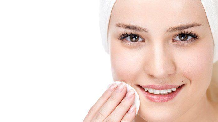 Usai Pesta, Hapus Makeup di Wajah dengan 6 Langkah Ini, Cegah Timbulnya Jerawat!