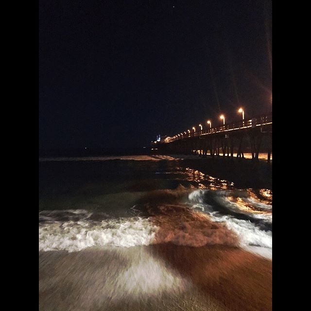 Summer nights.... #imperialbeach #pier #beach #sandiego #imperialbeachlocals #sandiegoconnection #sdlocals #iblocals - posted by Jessica Mendoza  https://www.instagram.com/yessi_rubi. See more post on Imperial Beach at http://imperialbeachlocals.com