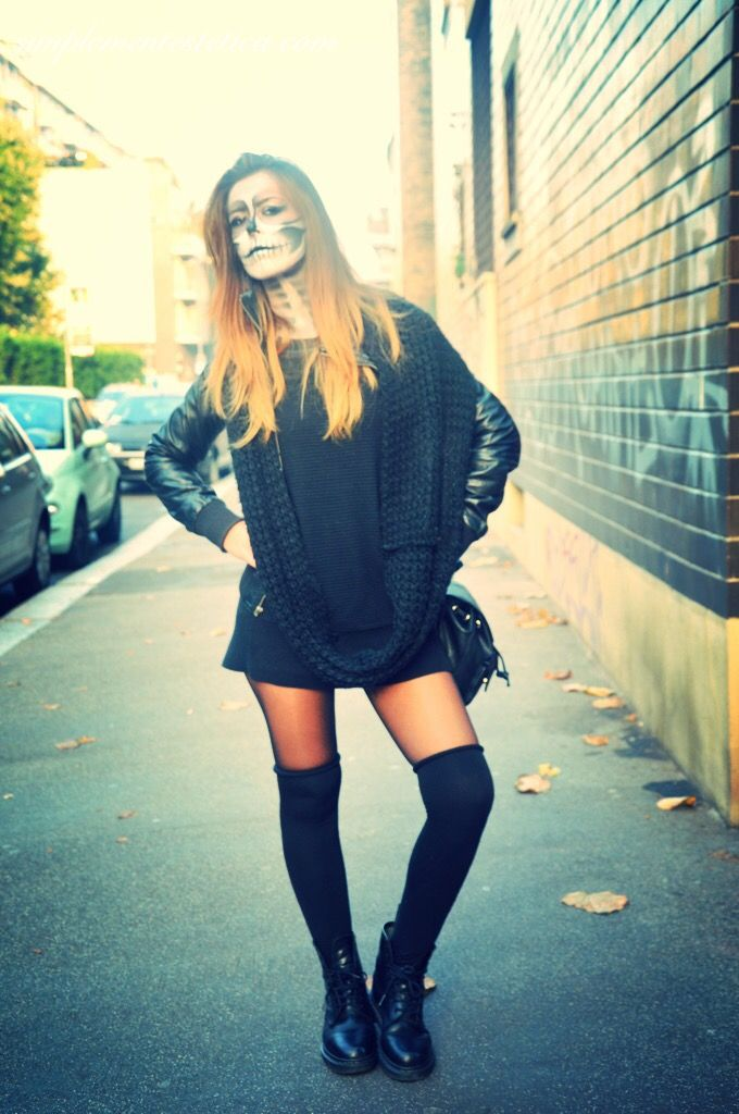 HALLOWEEN NIGHT  #halloween #halloweenmakeup #halloweenparty #halloweennight #party #makeup #lanottedellestreghe #outfit #picoftheday #shooting #photo #photoshoot #simplementestetica #milan #trucco #totalblack #look #looks #teschio #scheletro #skeletonmakeup #skeleton #skull