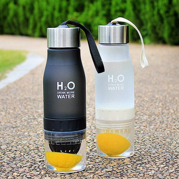Best Fruit infuser Water Bottle (650ml) H2O BPA-free plastic - Fitness, Gym & Yoga accessories for the hottest gift ideas and must have products. Stay motivated.