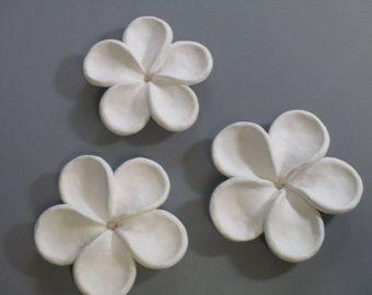 Cristal cerámica flor floración pared por CoastalCeramics en Etsy