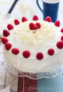 Gâteau Au Chocolat Blanc Aux Framboises | Les assiettes agréables de Mariah   – A Recipes – Baking cakes