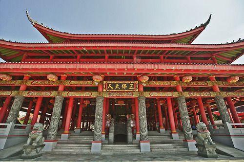 Sam Poo Kong temple, Simongan Village, Semarang, Indonesia|http://www.nusatrip.com/id/tiket-pesawat/ke/semarang_SRG #nusatrip #travel #travelingideas #holiday #semarang #indonesia #sampookong #onlinetravelagency