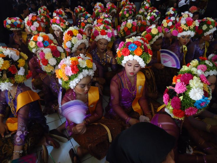 flowers girls in Ngarot ceremony, Indramayu, west Java