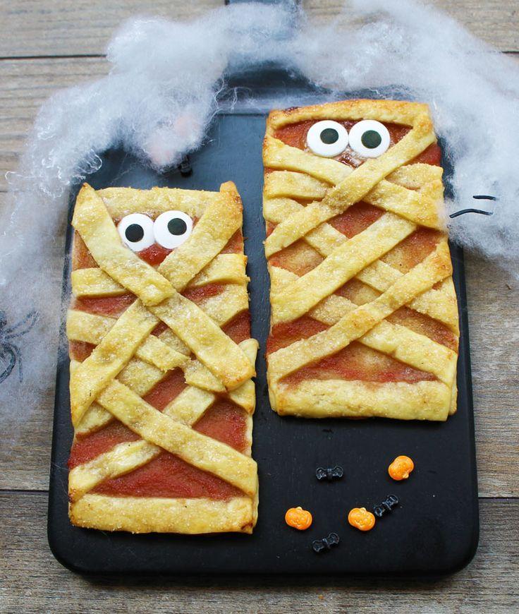 Des mini tartelettes à la confiture pomme-framboise pour se régaler le jour d'Halloween.