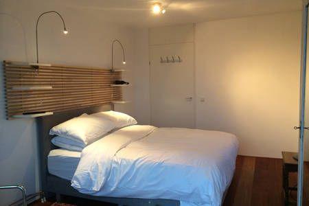 Dai un'occhiata a questo fantastico annuncio su Airbnb: Room with a View a Amsterdam