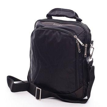 #Diviley Cody Černá taška přes rameno Diviley z kvalitního textilu. Taška zajímavého vzhledu s uchem. Atypicky řešená a přitom velmi praktická. Taška má velkou kapsu, která ukrývá další dvě kapsy, jednu na zip a jednu bez zipu. Zepředu větší kapsa na zip, zezadu další kapsa na zip. Ideální pro volný čas.