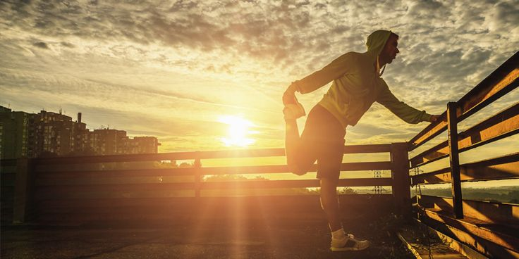 Gymträning för bättre löpning. Det finns många bra övningar som kan göras inne på ett gym för att förbättra löpningen. Ogillar du att springa utomhus...