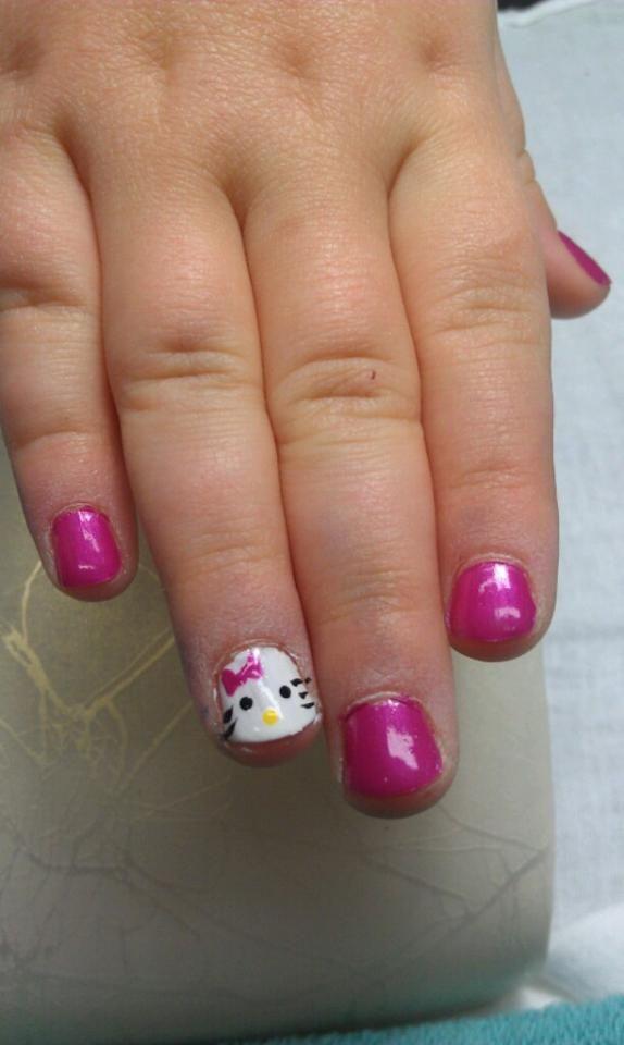 sweet pink hello kitty nails on the cutest little girl - Little Girl Nail Design Ideas