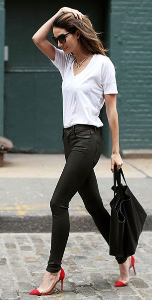Day to Night Look. White Top and Black Bottom Never Go Wrong.  Similar Style Available at SiiZU