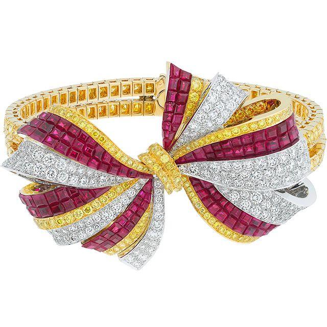 Van Cleef & Arpels Christmas Eve bracelet, The Nutcracker ballet, Ballet Précieux collection