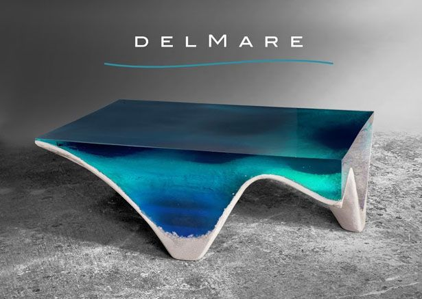 It's like looking into the depth of the sea, delMare table is hypnotic, a piece of art that captivates everyone.