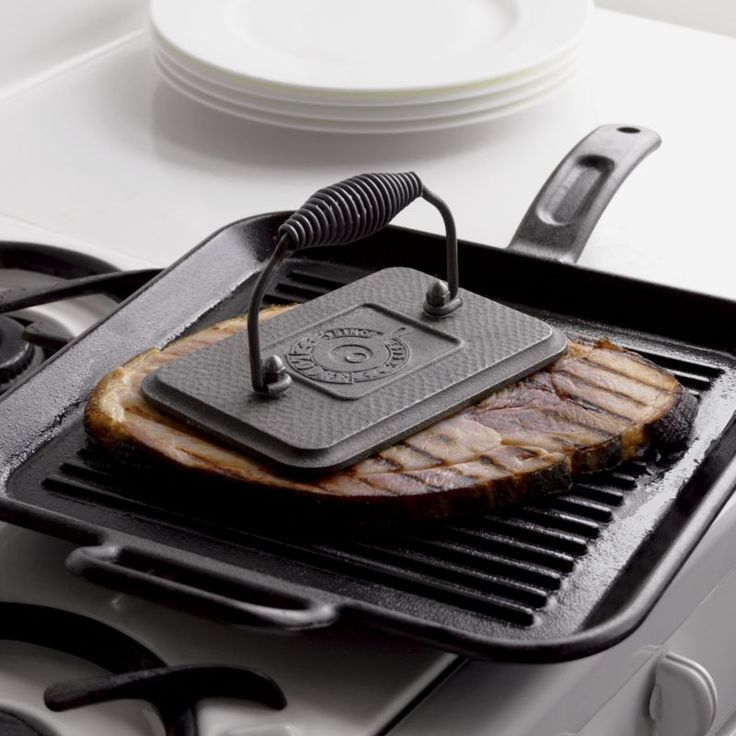 "Ridged cast iron grill pan perfectly ""grills"" foods indoors.  Perfect for burgers, bacon, chicken and grilled sandwiches. More Lodge® available via special order.  Please contact your local store."