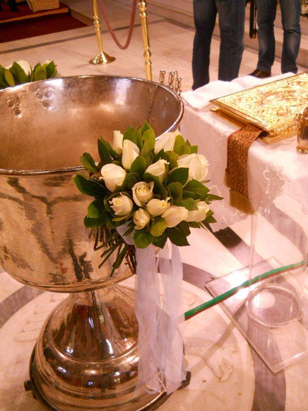 Μπουκέτα με λευκά τριαντάφυλλα