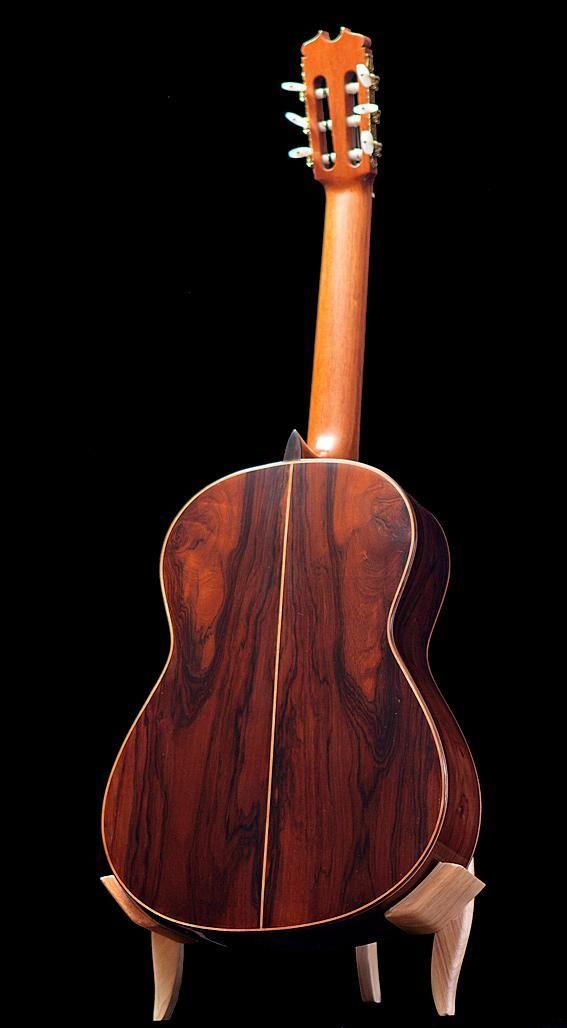 Conde AF25/R Flamenco guitar. More info: https://www.lasonanta.eu/en/guitarras-flamencas/flamenco-guitar-conde-hermanos-af25-1998.html