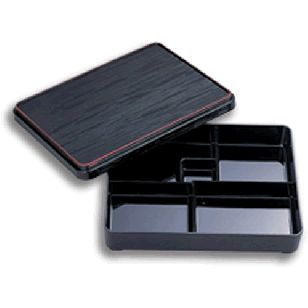 Bento Box Medium      Availability : In Stock     Dimentions : 287mm x 222mm     Pieces Per Item : 3     Colour : Black with Red Trim     Material : ABS     Finish : Laquer     Item Code : D5-104     Weight : 650g  Price : $24.95