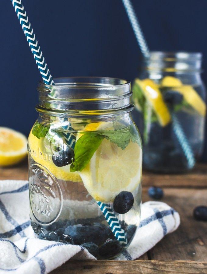 eau aromatisée citron, bleuet et menthe