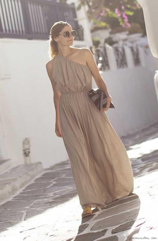 Beige maxi dress, sunglasses, pouch / Garance Doré