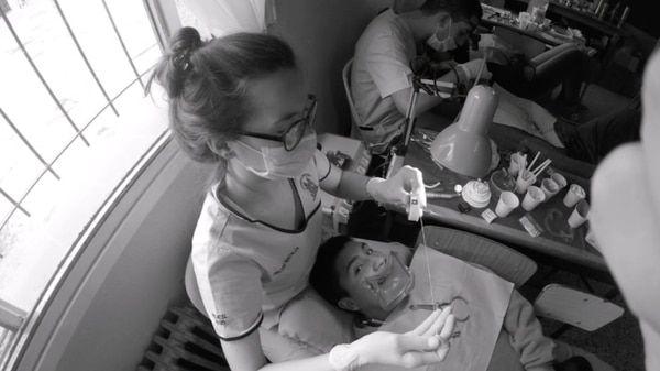 Los viajes, que ya son una tradición de más de treinta años, se llevan a cabo con consultorios móviles y equipamiento de última generación provistos por la Facultad de Odontología de la UBA