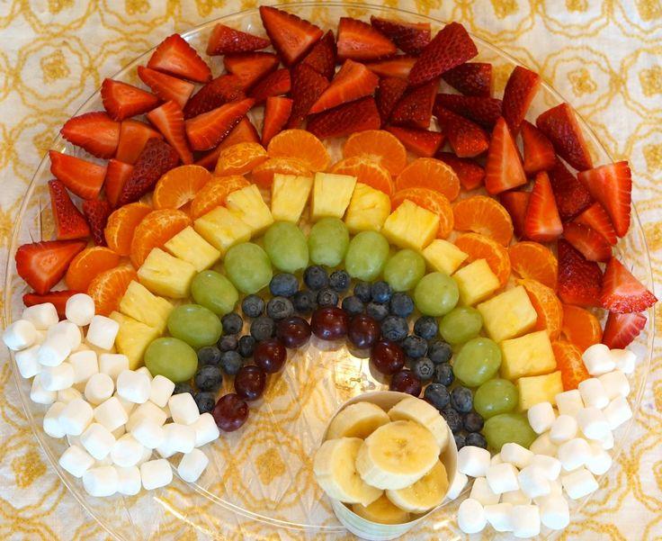 Rainbow Fruit Tray : A Preschool Snack #fruit #fruittray #thepiggytoes