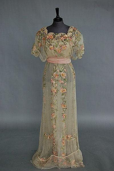 1912 evening gown via Kerry Taylor Auctions Catalogue