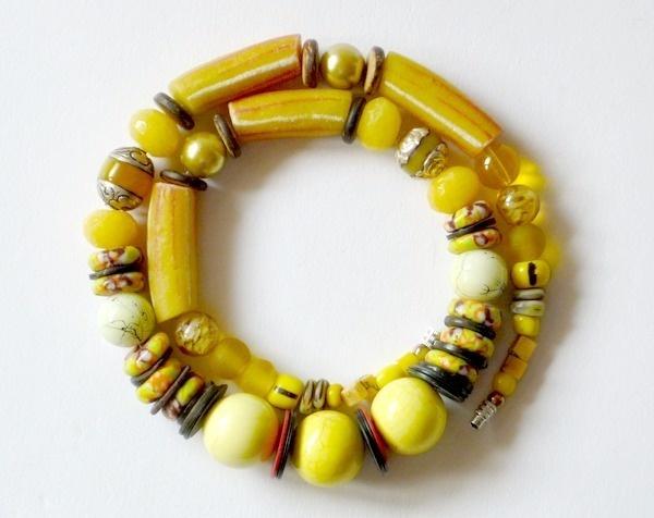 Ins Land der Zitronen- und Orangenbäume entführt uns dieses zauberhaft sonnige Collier.    Aus meiner Sammlung alter Perlen kombiniert mit diversen St