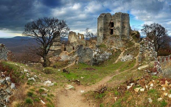 Hrad Gýmeš | Hrad, zámok | Jelenec | Nitriansky kraj | Najkrajšie miesta na Slovensku