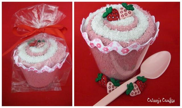 Ice Cream ShopHomemade Stuff, Shower Gift I V, Gift Ideas, Gift Trio, Ice Cream Shops, Strawberries Sundaes, Clothing Crafts, Creative Juice, Homemade Gift