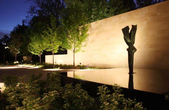 Rabbit House | Denver, USA | WERK | Charles Anderson Landscape Architecture #sculpture #house #garden #residential #water #feature #fountain #reflection