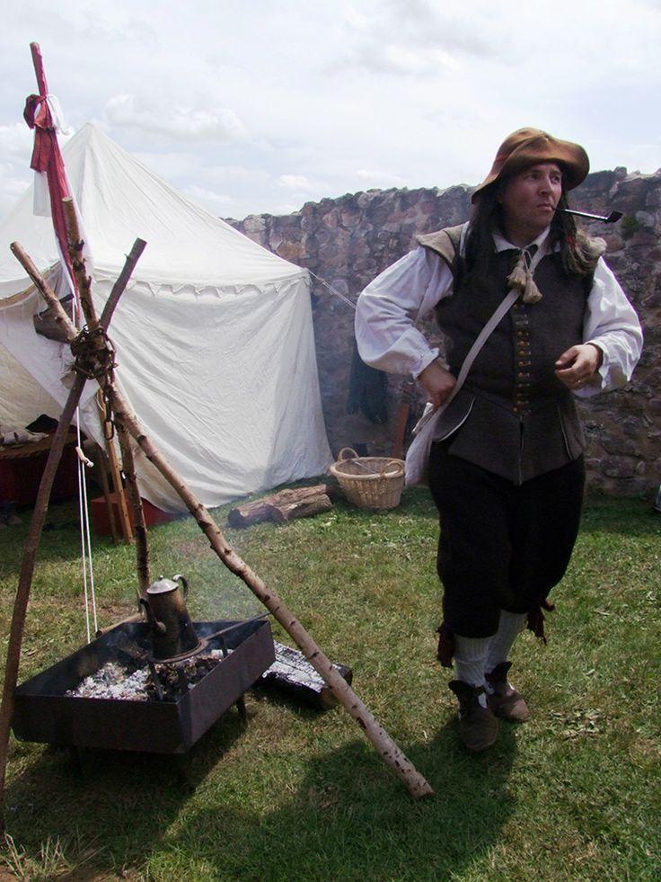 Défilé costumé, jeux médiévaux, repas sur réservation, danses et musiques d'époque... Rendez-vous à la Fête des Remparts !