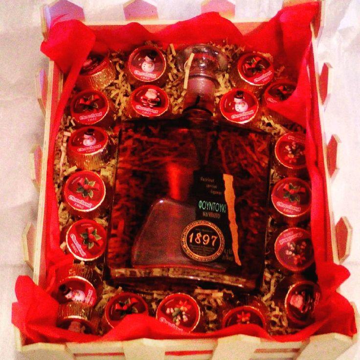 Hazelnut liqueur with praline chocolates... #christmasgifts #corporategifts #giftideas #giftset #greekgift #christmasgifts #christmas #gifts #giftbaskets #giftideas #giftset #greekgift #chocolates
