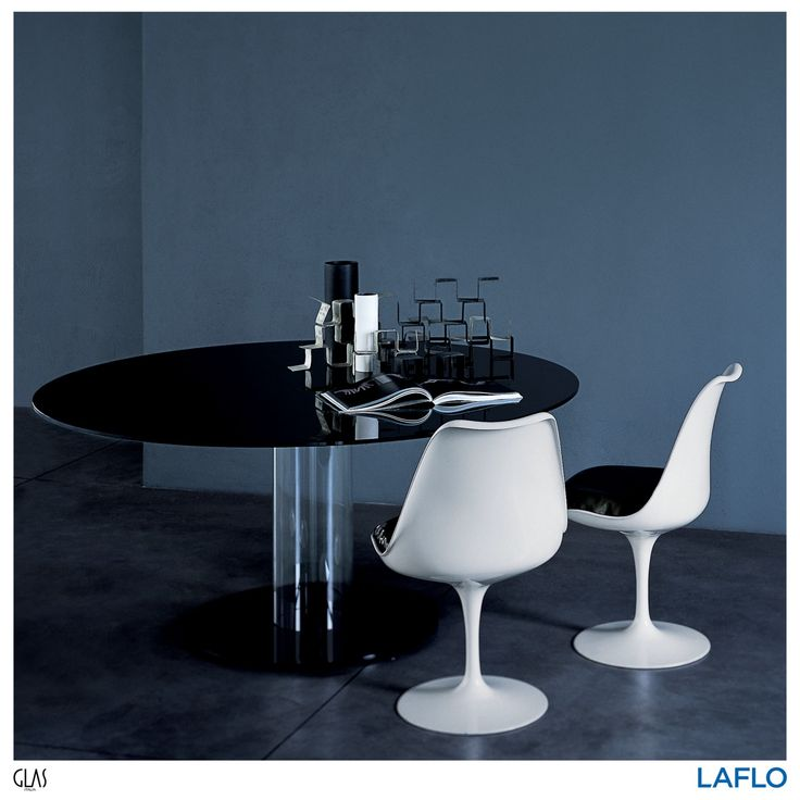 Hub Tavoli Bassi by Piero Lissoni, the low glass table with a round top and a hollow base . . . . . #design #designs #designer #designers #interiorstyling #interiorinspiration #interiordesign #qualityliving #homedecor #home #inspiration #interiorinspiration #designinspiration #productinspiration #art #findyourinnerexpression #LAFLO #instadesign #instagood #instadaily #glasitalia