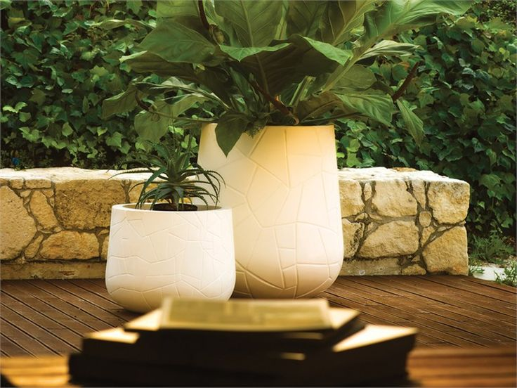 The Serralunga Memory Pot Large Outdoor Planter Is Perfect Indoors Or For  The Patio Or Garden.