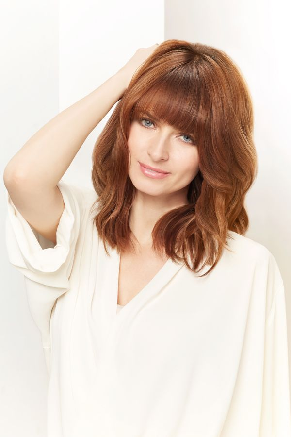 """Wella Markenbotschafterin Eva Padberg präsentiert nicht nur die neue Haarfarbe """"Koleston Perfect Innosense"""", sondern auch ihren schönen Long Bob mit"""