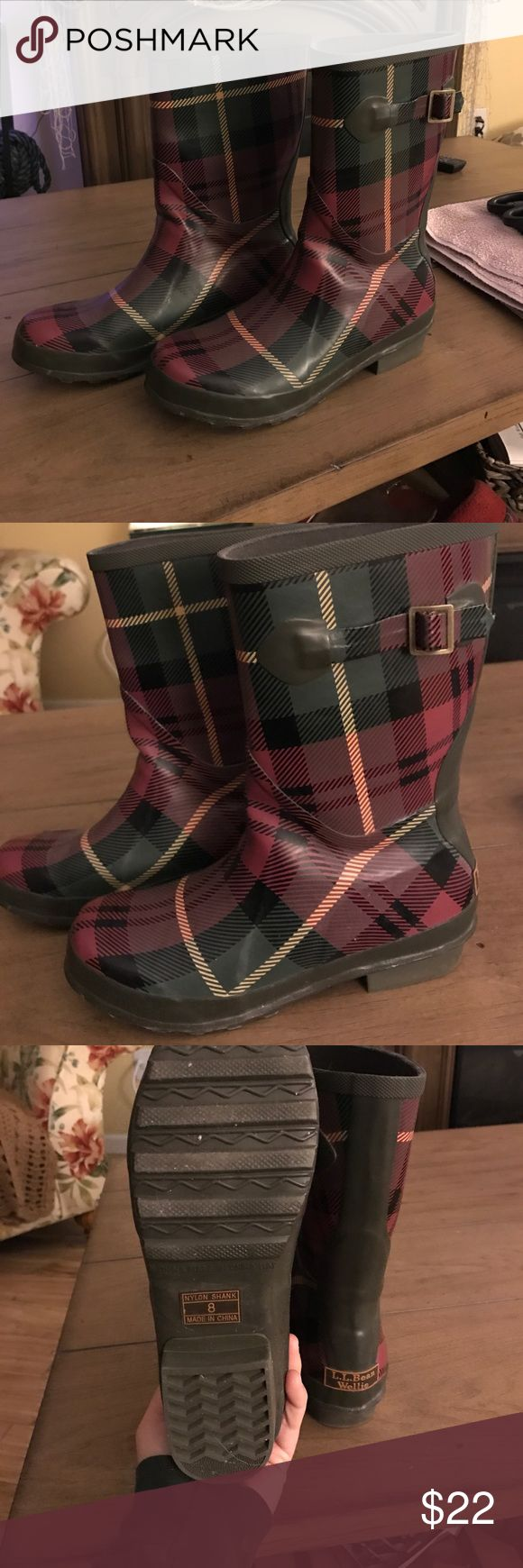 "L.L. Bean rain boots Wellie L.L. Bean rain boots. I believe this is the signature plaid. They are a ""women's 8 medium"". Very comfortable and stylish. Hardly worn, basically brand new. I posted one picture with the flash so you can see the colors. L.L. Bean Shoes Winter & Rain Boots"